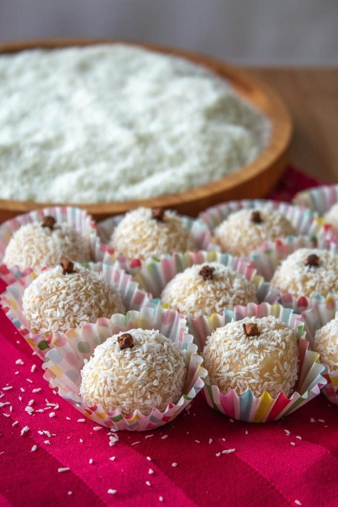 Beijinho recipe is a coconut brigadeiro