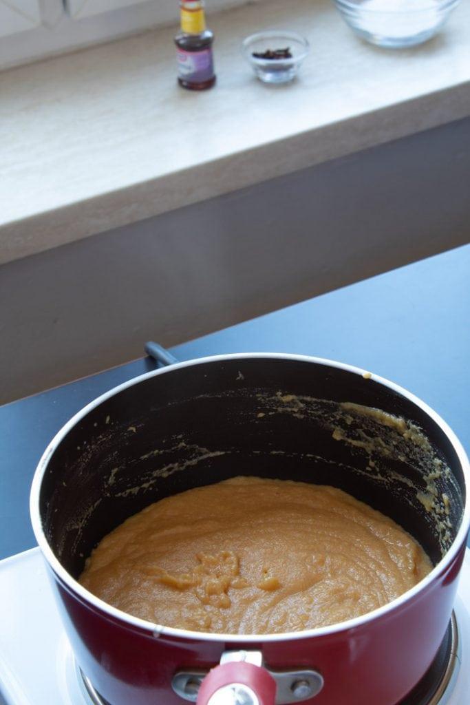 Pumpkin brigadeiro preparation