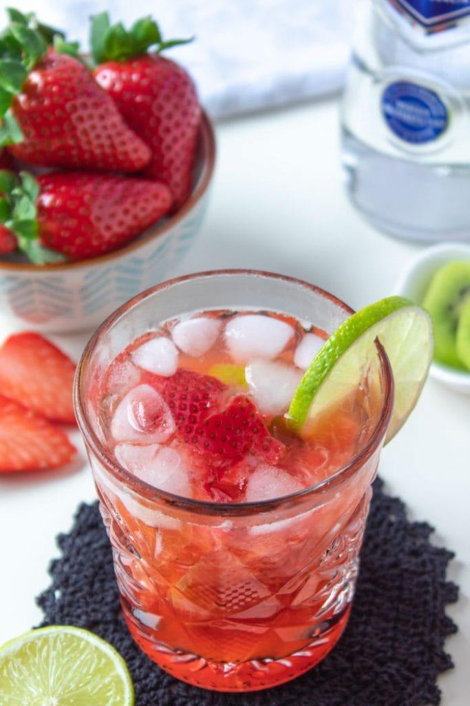 Strawberry caipiroska recipe, a vodka cocktail