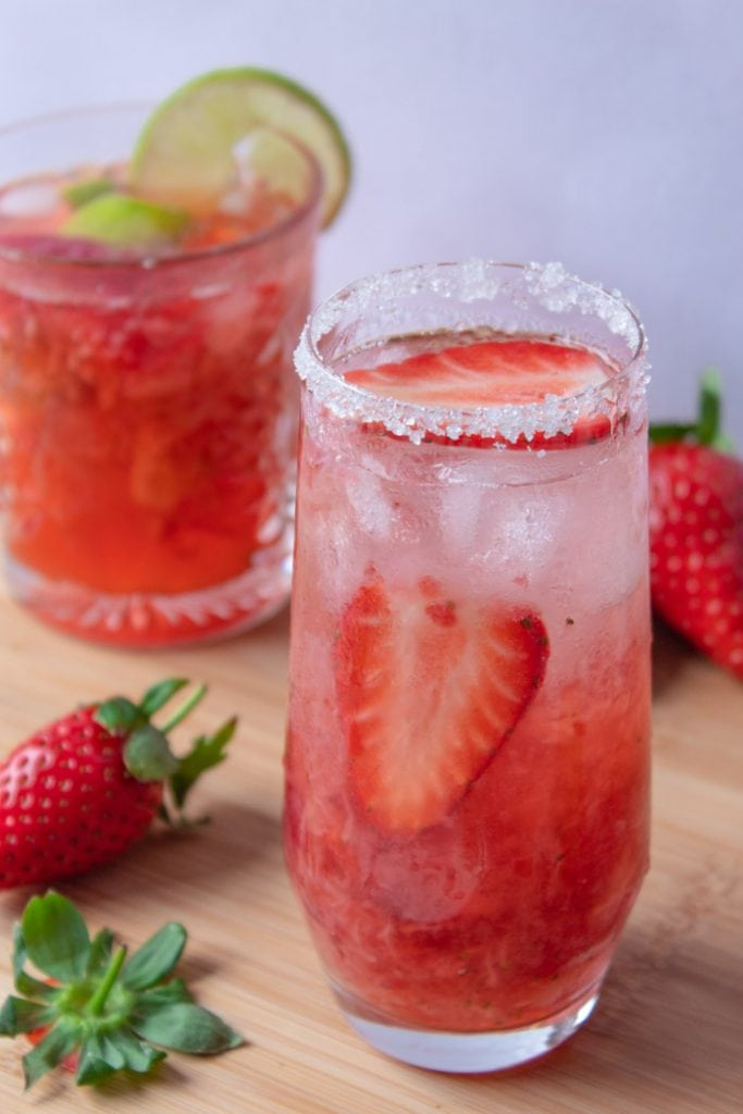 Strawberry caipirinha is a caipifruta