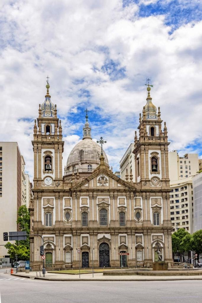 Candelaria Church is one of the most beautiful things to see in Rio de Janeiro
