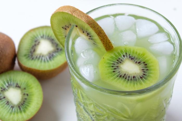 Sakerinha is similar to the Brazilian caipirinha drink