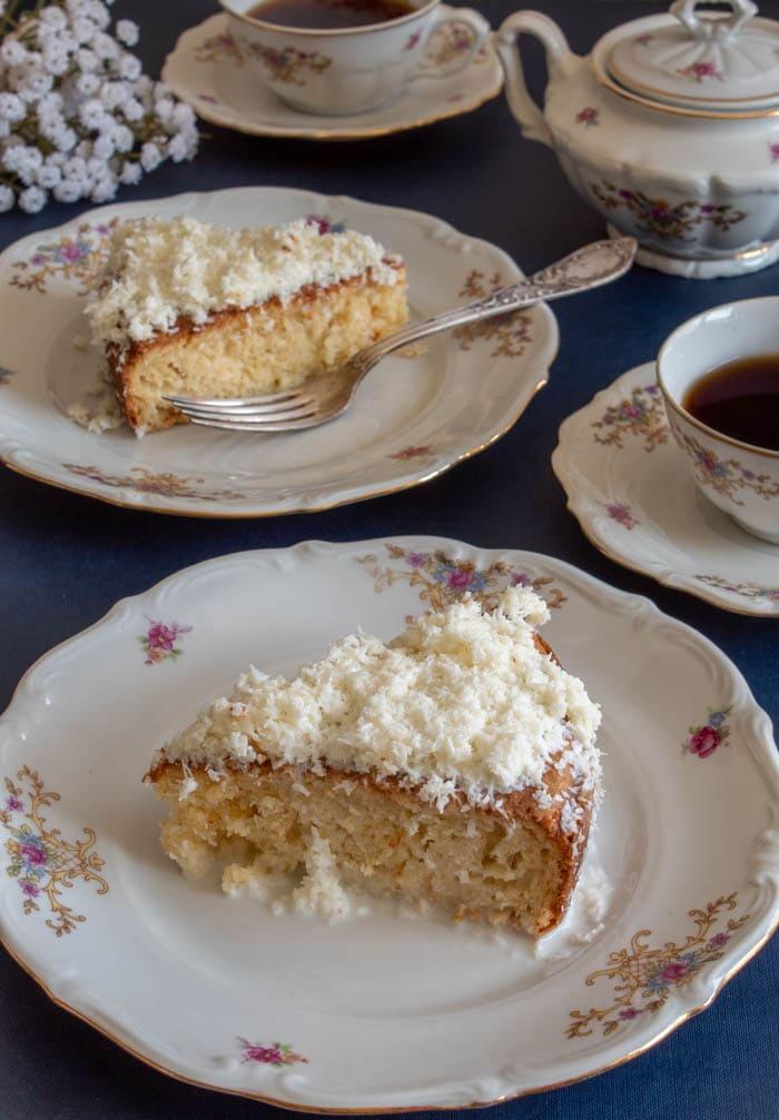 Brazilian coconut cake pieces