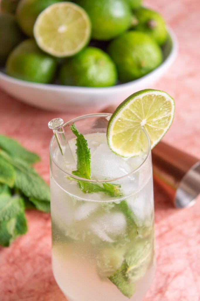 Brazilian mojito cocktail recipe