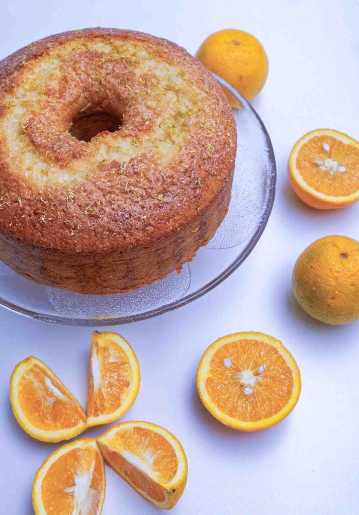 Brazilian orange cake with fruits