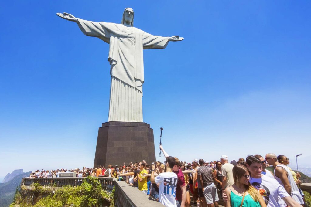 Tourist crowds at the Christ the Redeemer statue