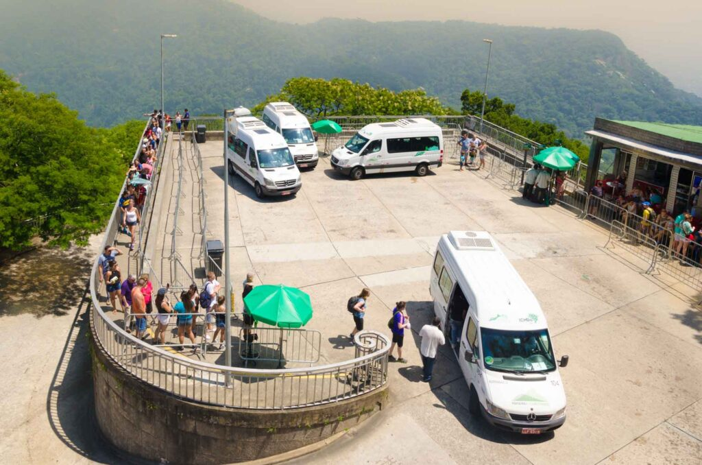 Official van to reach the Christ the Redeemer statue