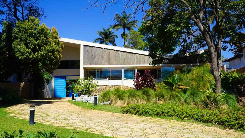 Walking through the gardens of Casa Kubitschek is one of the top things to do in Belo Horizonte, Brazil