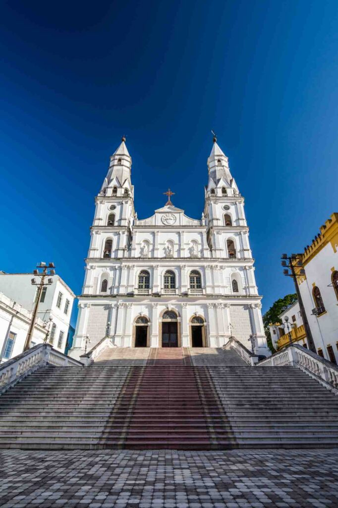 Photographing the Nossa Senhora das Dores Church is one of the things to do in Porto Alegre, Brazil